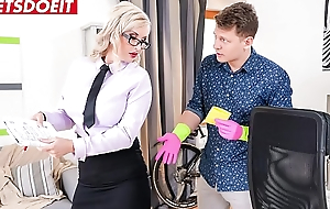 Student fucks his horny teacher hardcore (Jarushka Ross)