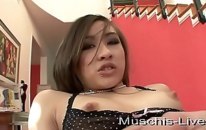Thai model fucked at amateur shoot