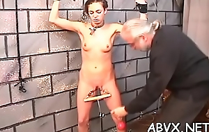 Woman screams approximately stud smashing her pussy in extreme bondage