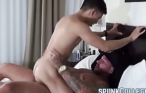 Horny and buffed stud fucks his Asian twinkie friend